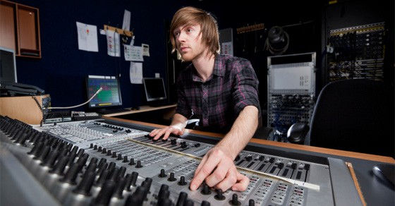 Things to remember when building a recording studio-1