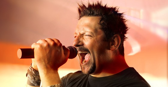 How to Sing Without Straining – The Top 5 Secrets Revealed