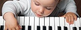 Music Keyboard Basics: 3 Hand Independence Exercises To Practice