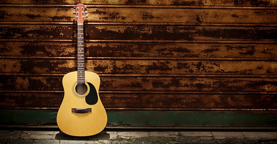 How to choose an acoustic guitar that's right for you