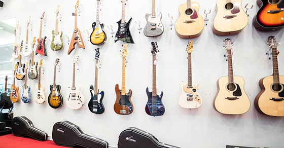 Types Of Guitars 2021 – We Look At Some Of The Main Ones