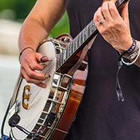 Master bluegrass strumming for guitar