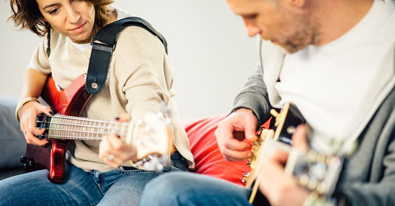 How To Promote Your Guitar Lessons Online And Offline
