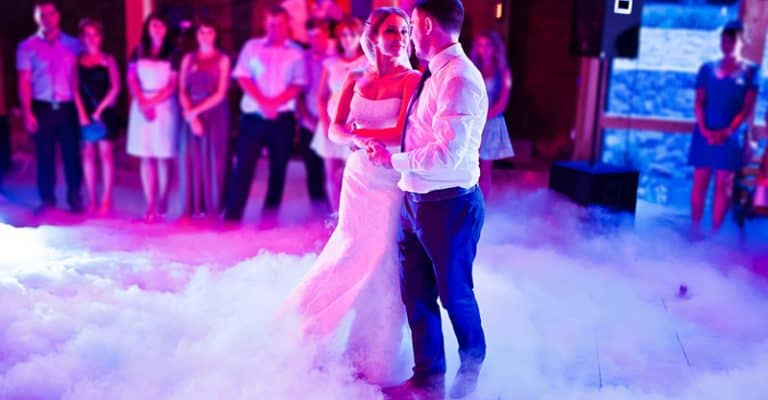How To Become A Wedding Singer, And How Much They Get Paid