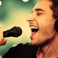 How to develop a competitive voice as a singer