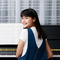 Taking online piano lessons