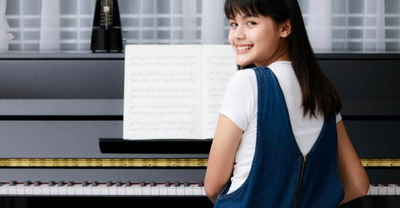 How to practice piano on your own