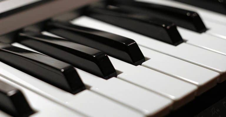 How Many Keys Are On A Piano? We Reveal All [Standard White & Black Keys Counted]