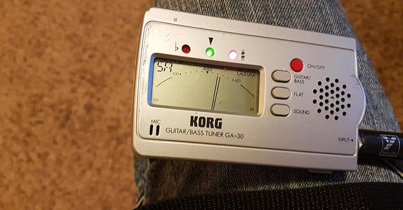 Guitar tuner fifth string