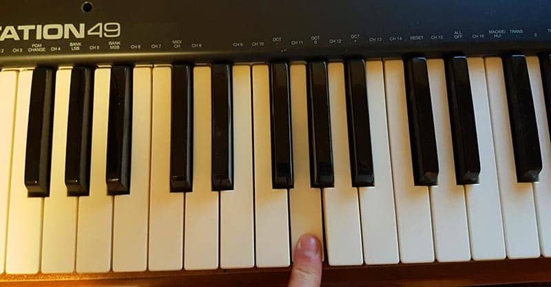 Tuning guitar with a piano - G