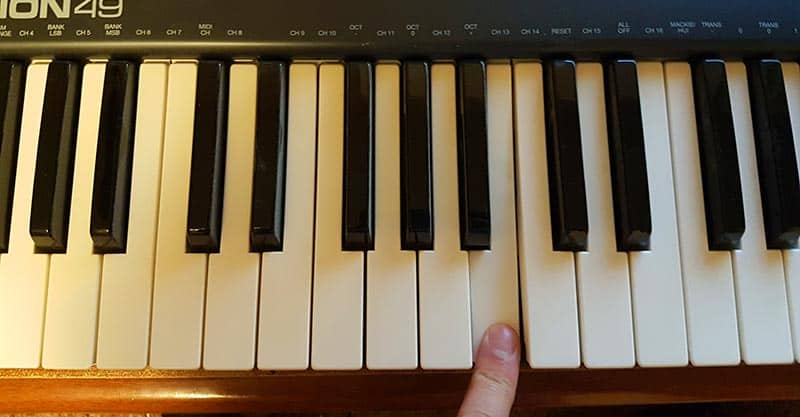 Tuning guitar with a piano - B