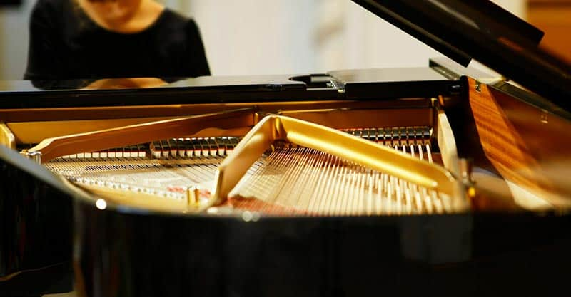 Types of pianos and their price