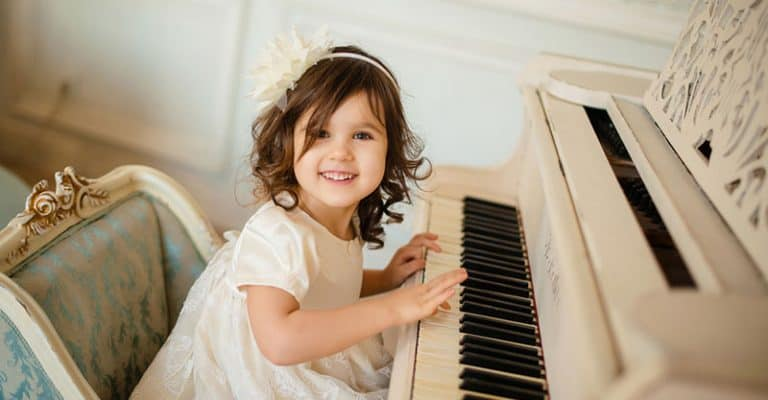 What Age Should You Start Piano Lessons? A Parent's Guide