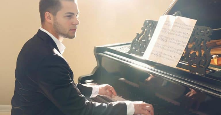 How Much Do Pianists Make? Professional Concert, Classical & Church Piano Players Considered