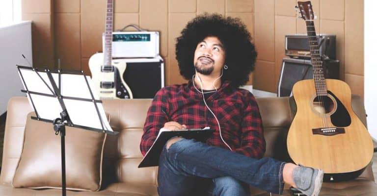 123 Free Song Prompts – Write Amazing Lyrics Today