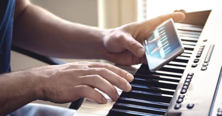 5 Piano Exercises For Beginners, Practice Improving Your Finger Movement