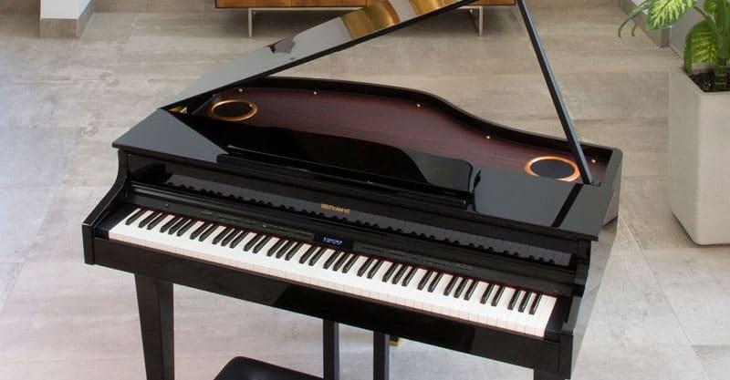 Petite/Mini Grand Piano