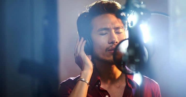 How Do Singers Remember Their Lyrics? 6 Easy Tips To Memorize Fast