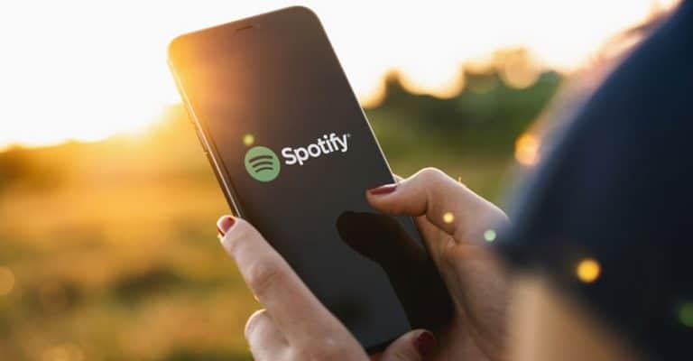 Spotify Keeps Crashing? FAST Fixes 2021