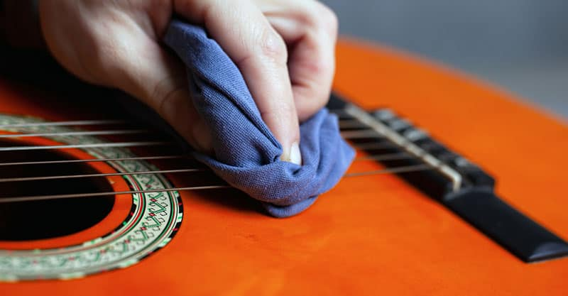 How To Clean Guitar Strings Properly, Acoustic & Electric Strings